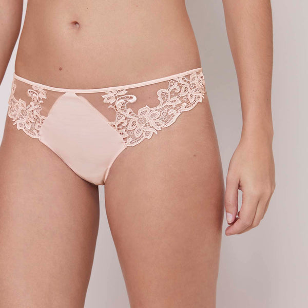 SAGA Thong in Blush