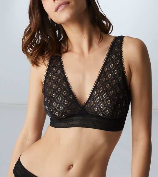 SUZANNE Soft Cup Lace Bra in Black