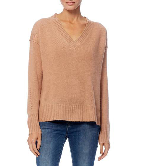 DARIA Cashmere V-Neck in Maple Sugar