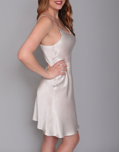 SILHOUETTES Classic Chemise in Porcelain