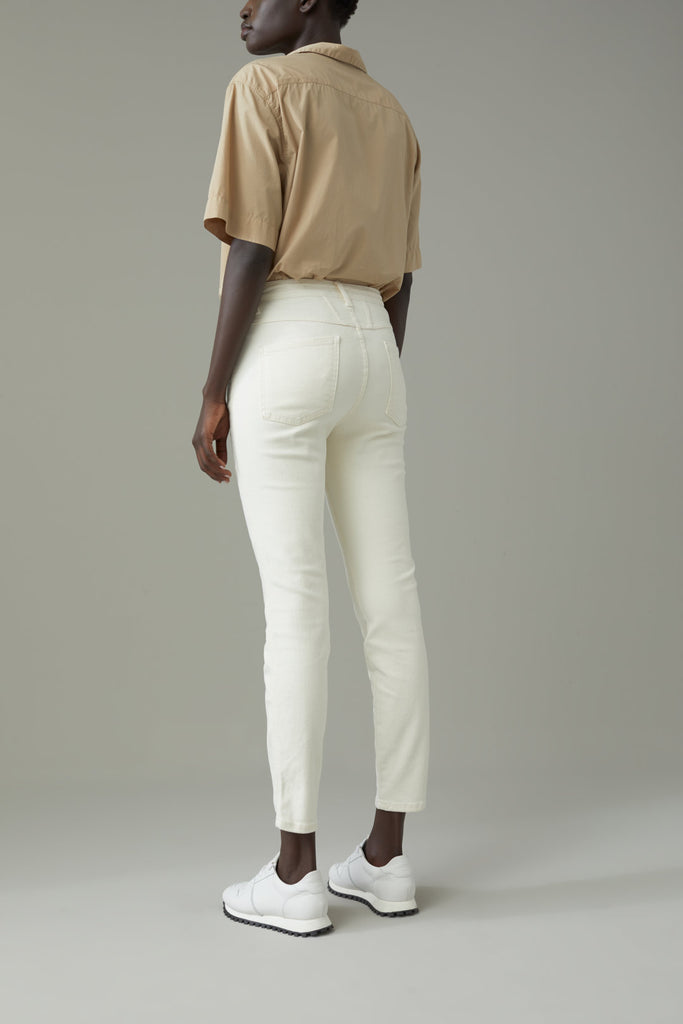 BETTER BLUE Skinny Pusher in Creme