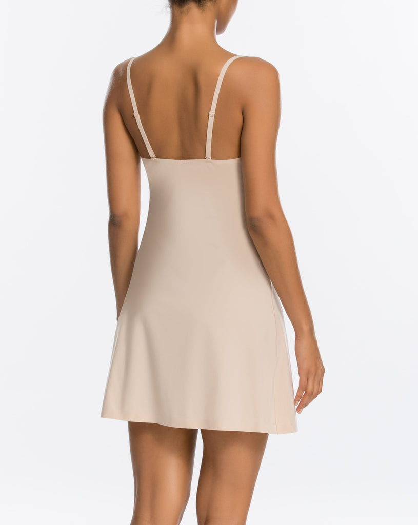 THINSTINCTS Convertible Slip in Soft Nude