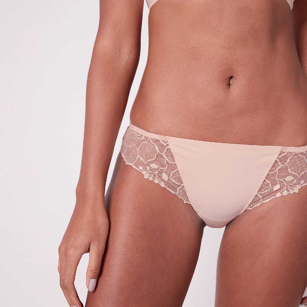 LUMINEUSE Bikini Brief in Petal Powder