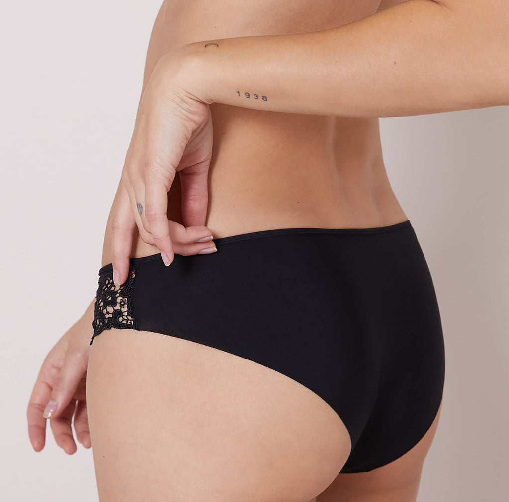 SAGA Briefs in Solid Black