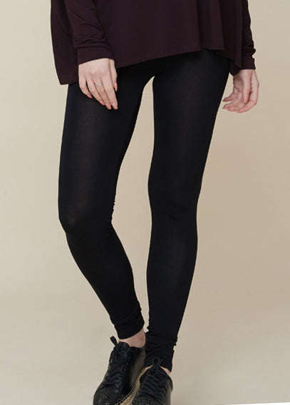 Soft Touch Viscose Legging in Noir