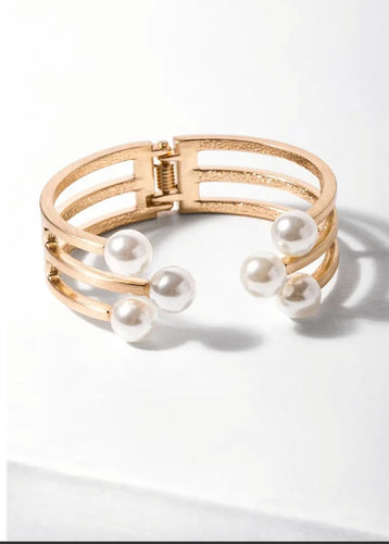 Six Pearl Hinged Cuff (Gold)