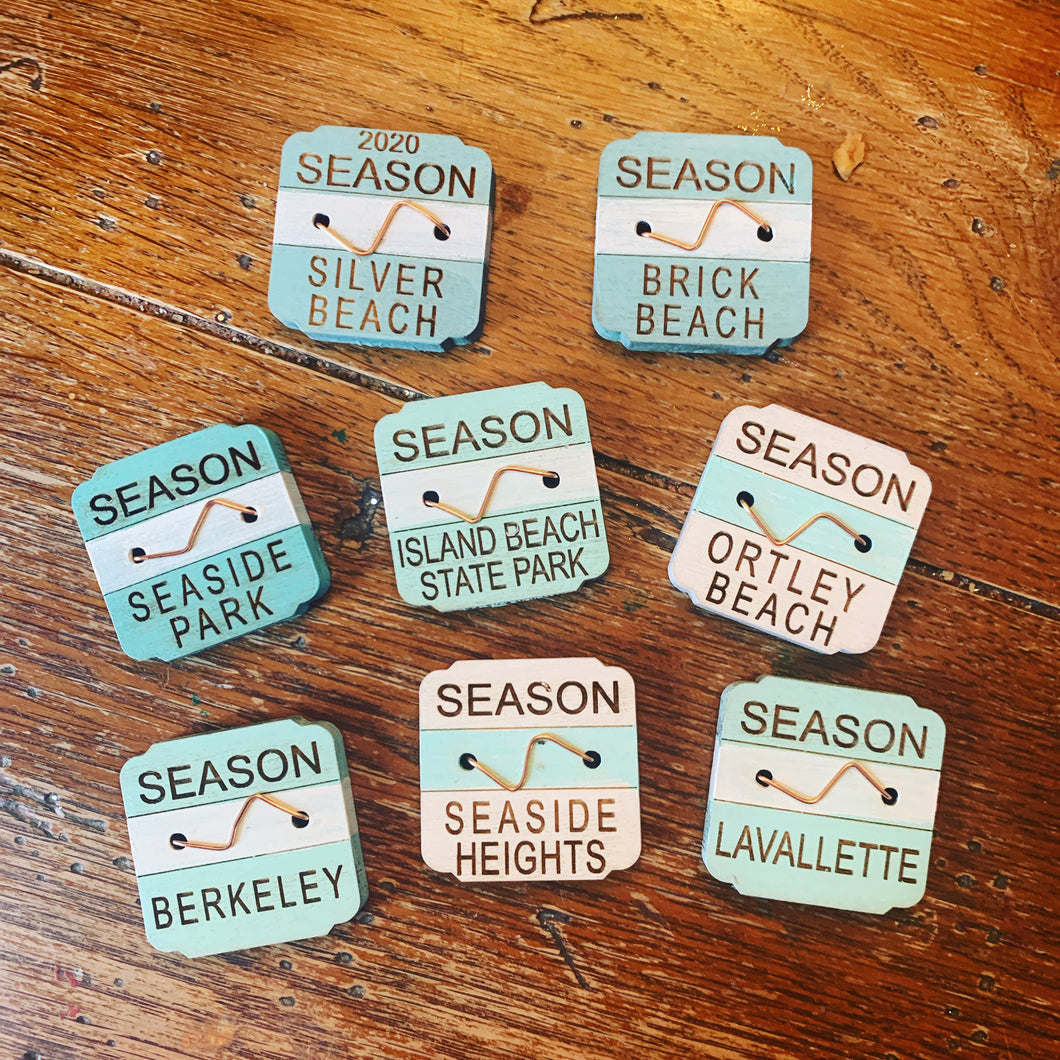 Beach badge magnets