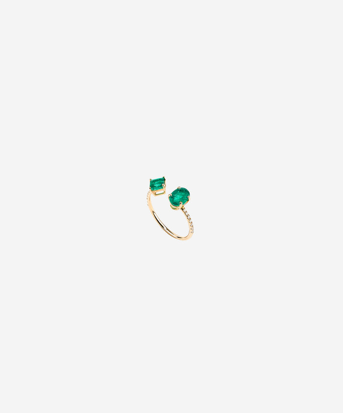 Pistachio Ring in emeralds and diamonds.