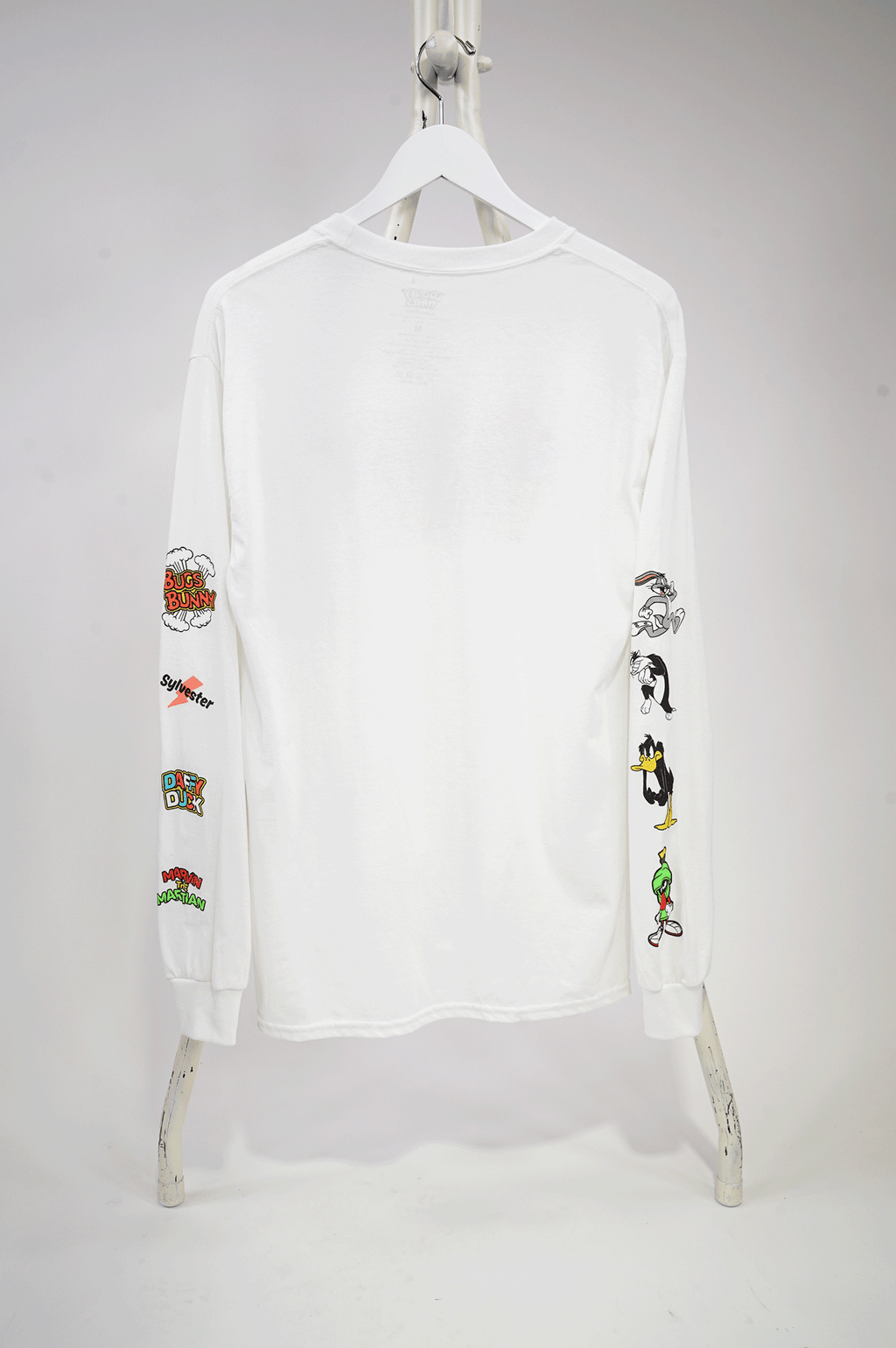 AAO FASHION MENS LOONEYTUNES=COLOR BLOCK AND GROUP L/S TEE
