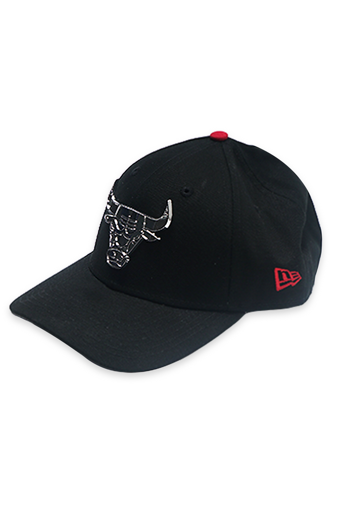 New Era Acc Dad Hat 9Forty Bulls Metal Badge