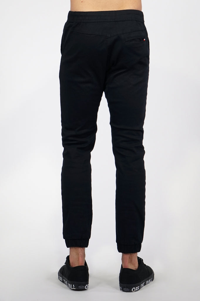 Aao Essential Men Twill Joggers