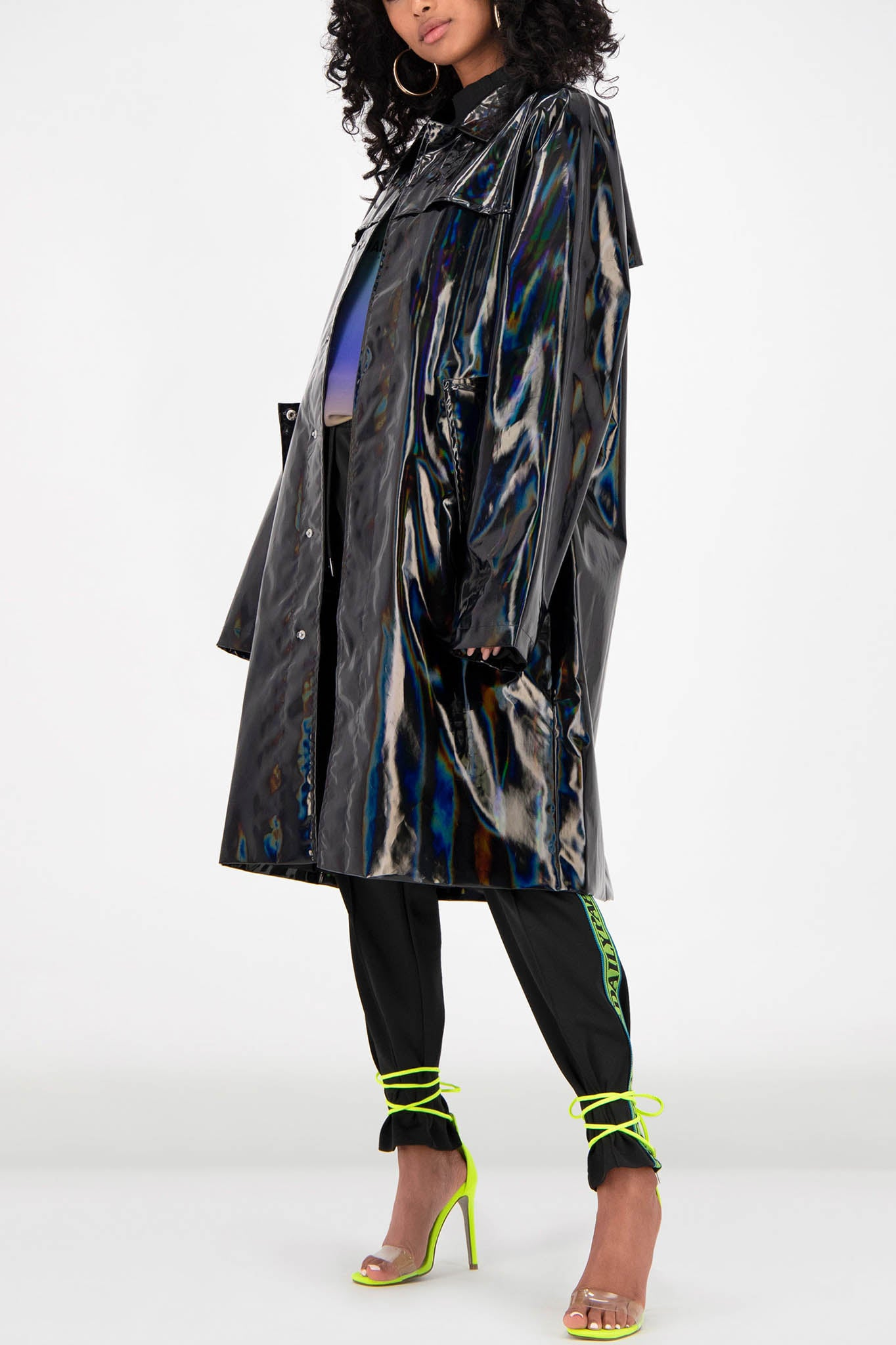 Daily Paper Holographic Fain Coat in Black