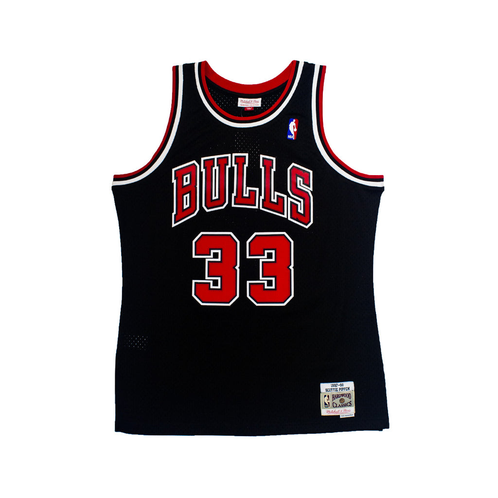 Men's Mitchell & Ness Scottie Pippen Swingman Jersey Chicago Bulls | Chicago City Sports | front view