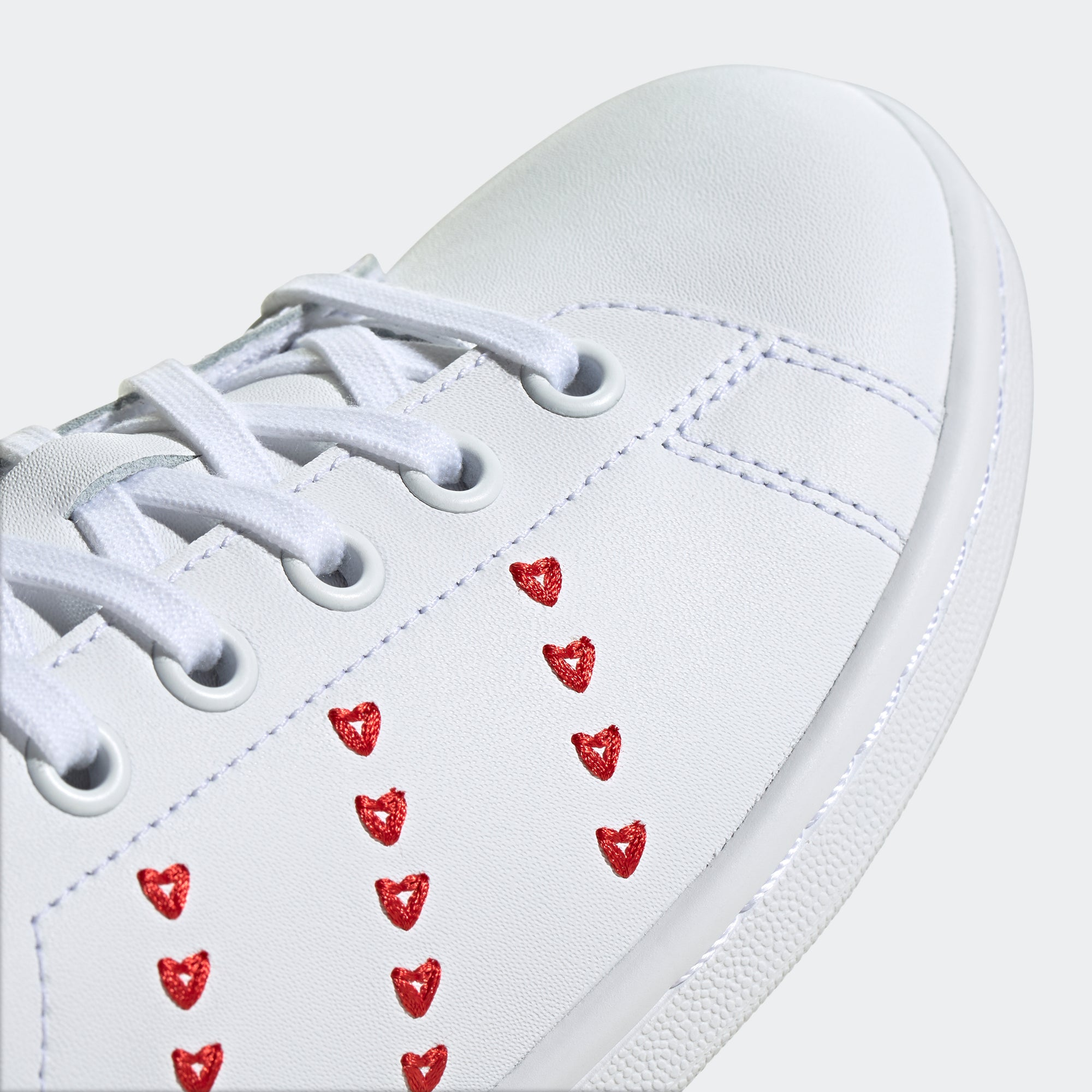 stan smith shoes heart