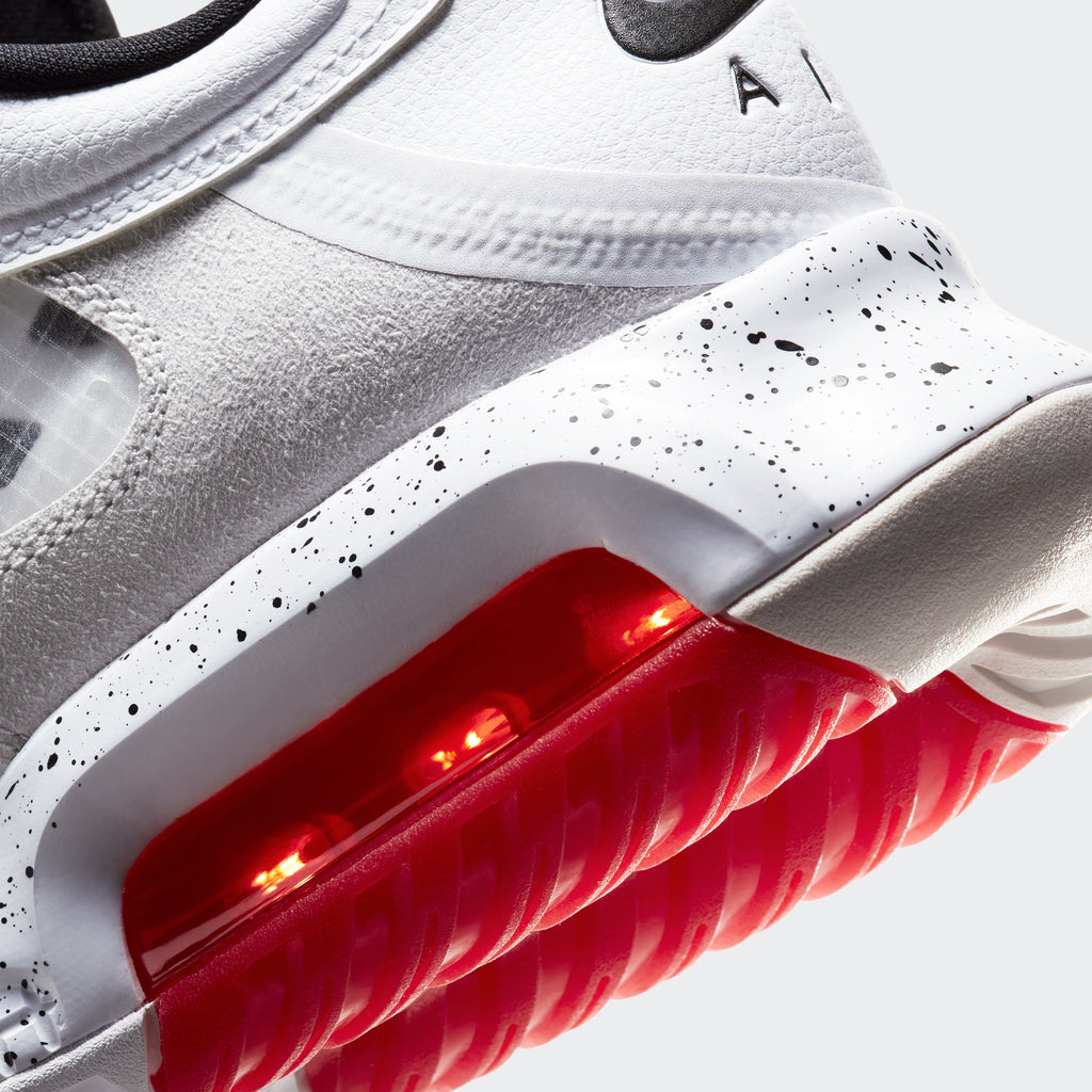 Men's Jordan Max 200 Shoes White (SKU CD6105-100) | Chicago City Sports | detailed heel and outsole view