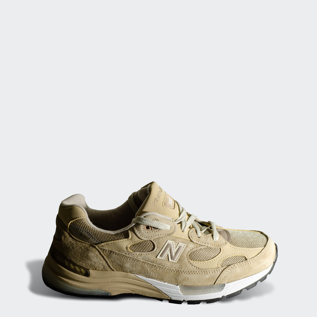 Men's New Balance Made in US 992 Tan M992TN | Chicago City Sports | side view