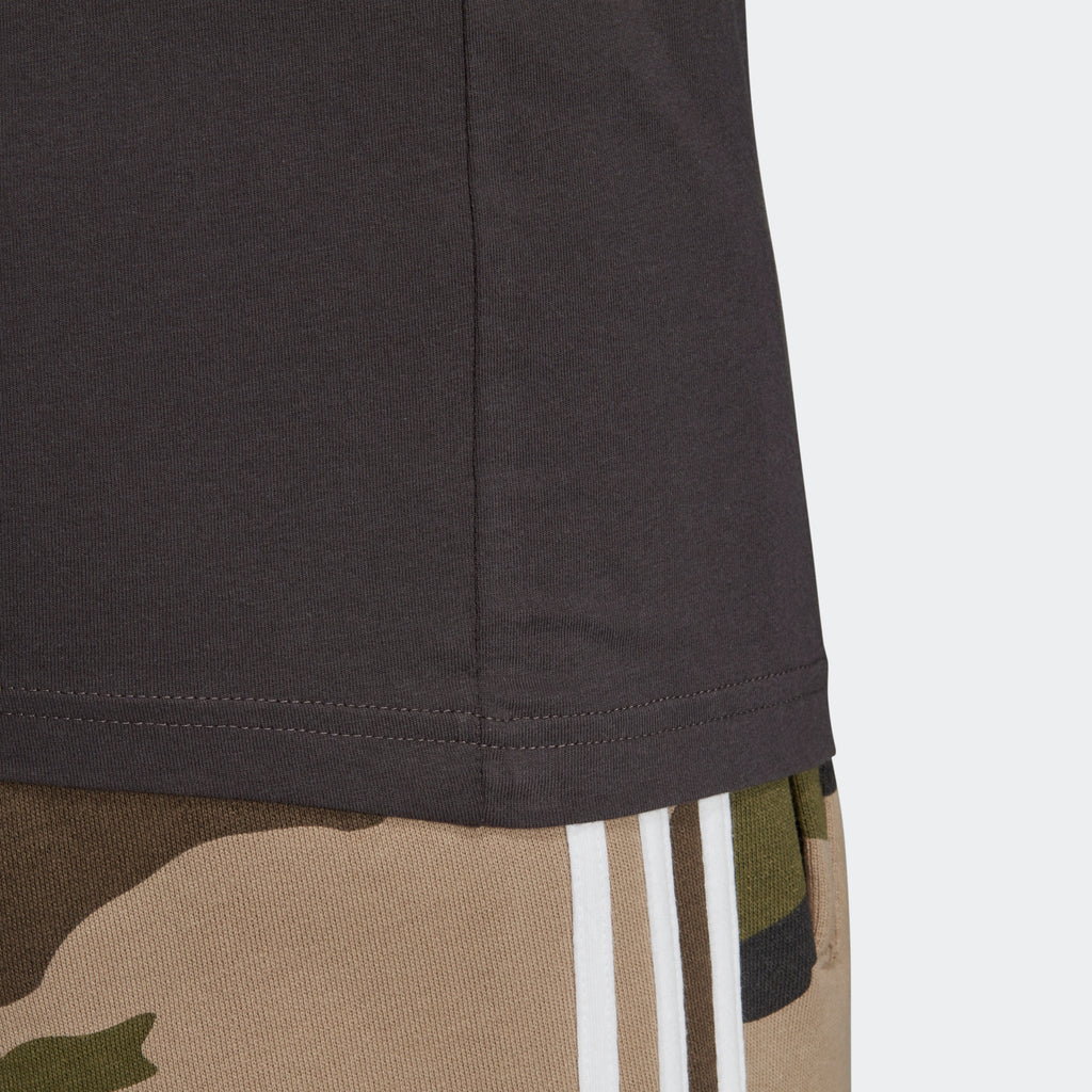 Men's adidas Originals Camouflage Tongue Label Tee