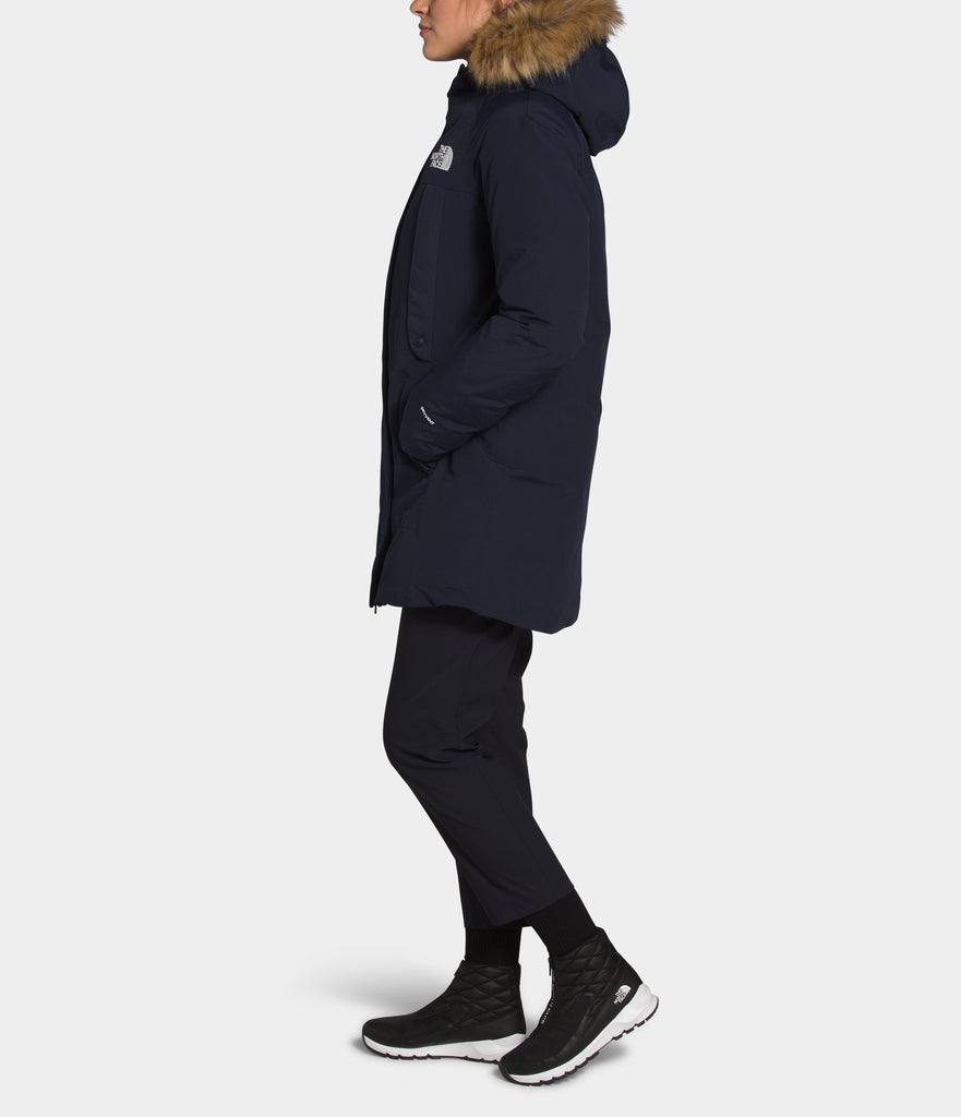Women's The North Face New Outer Boroughs Parka Navy NF0A4R3JRG1 | Chicago City Sports | side view on model