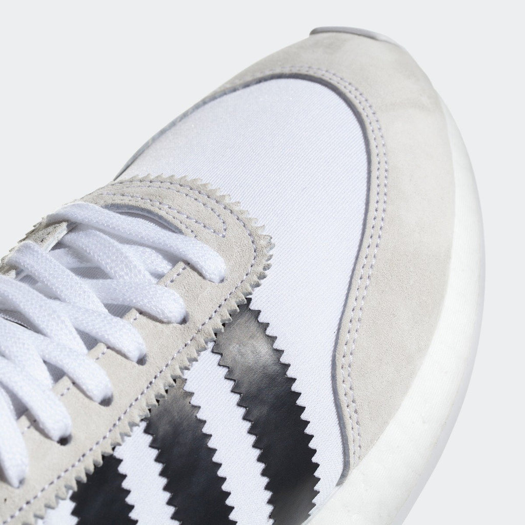 Men's adidas I-5923 Shoes White Black CQ2489 | Chicago City Sports | detailed toe area view