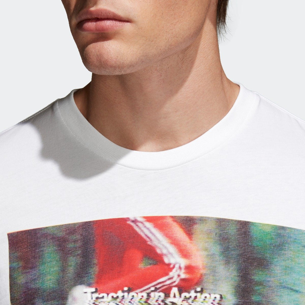 Men's adidas Originals Traction in Action Photo Tee White CE2249 | Chicago City Sports | collar view