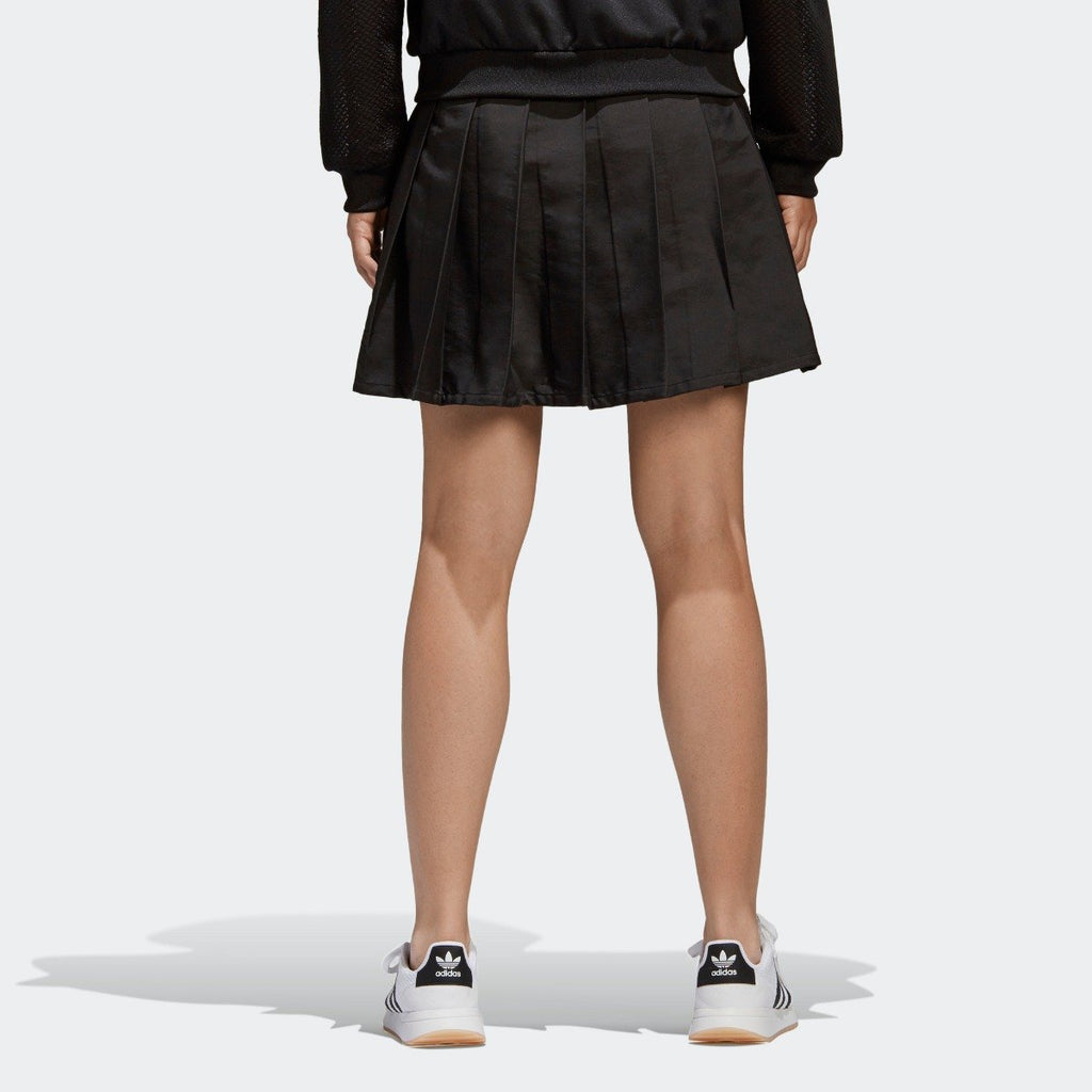 Women's adidas Originals CLRDO Skirt Black CV5793 | Chicago City Sports | rear view on model