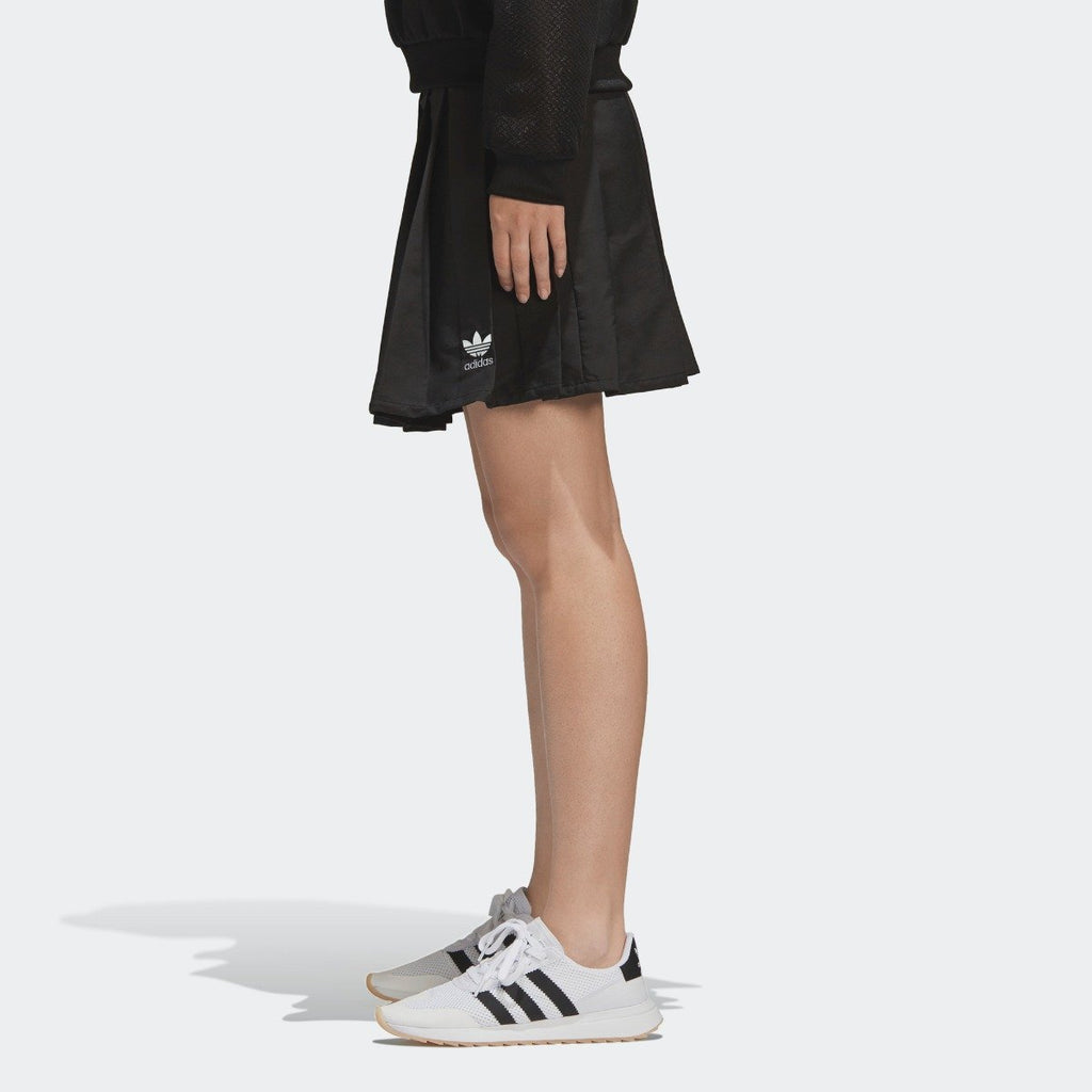 Women's adidas Originals CLRDO Skirt Black CV5793 | Chicago City Sports | side view on model