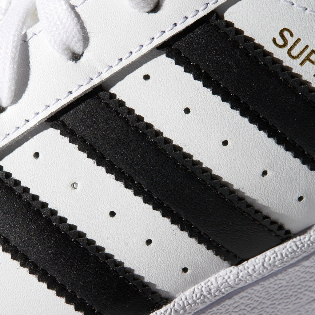 Women's adidas Originals Superstar Shoes White Black C77153 | Chicago City Sports | detailed side 3-Stripes view