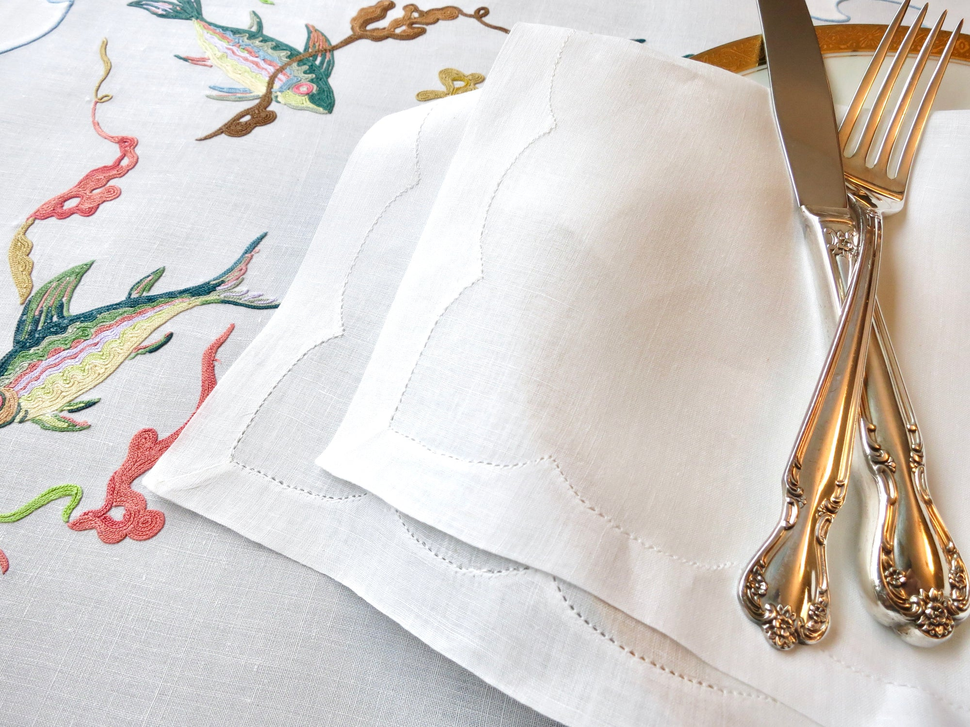 "Pure White Vintage Linen Hand Embroidered Linen 20"" Napkins ~ Set of 12"