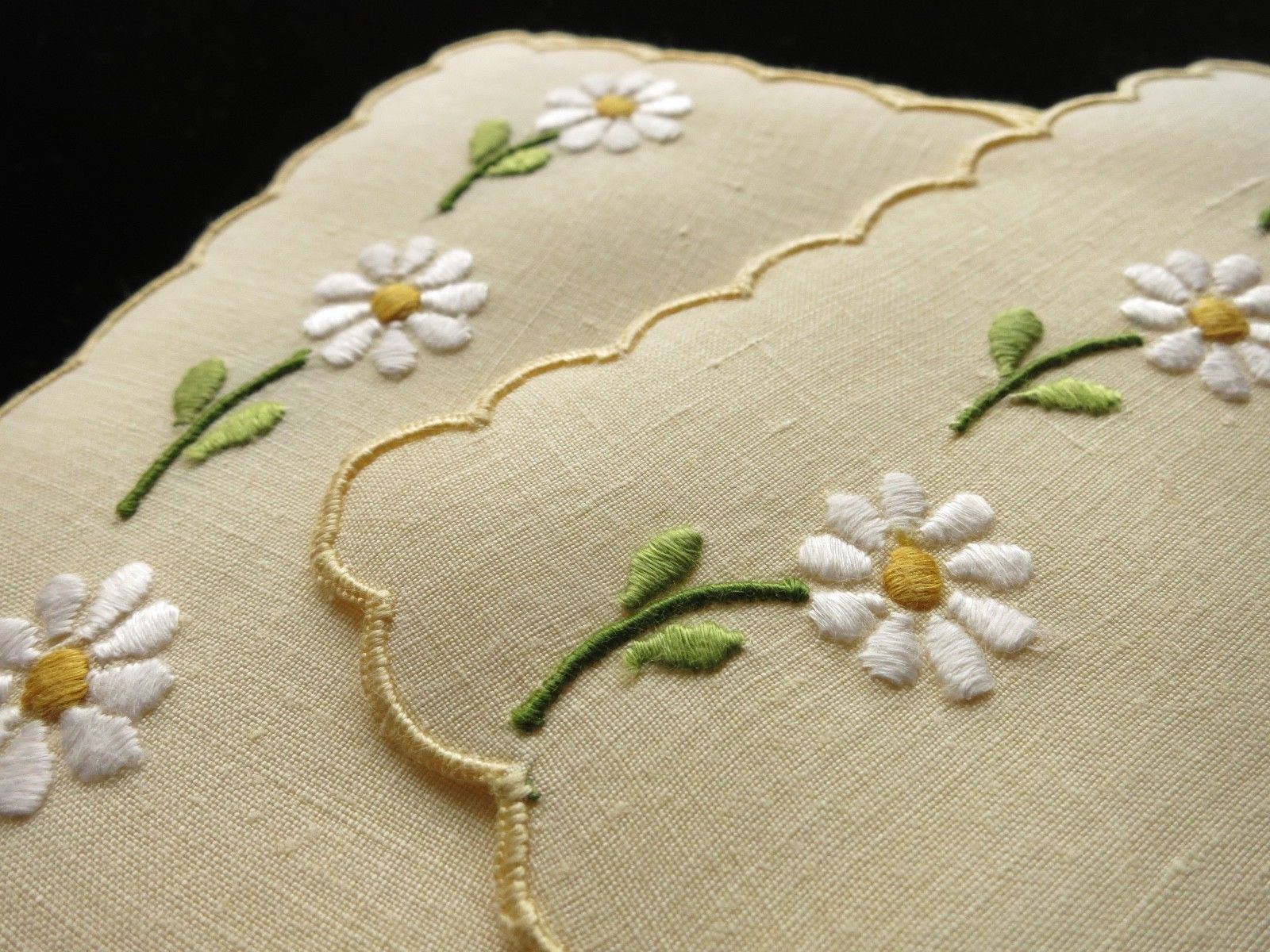 Daisies on Yellow Linen Vintage Madeira Cocktail Napkins - Set of 8