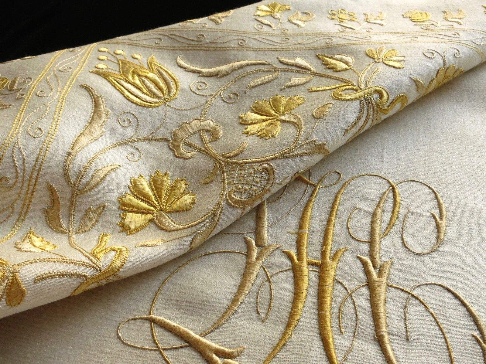 Gold Flowers & Monogram c1900 Antique Embroidery Tablecloth Napkins