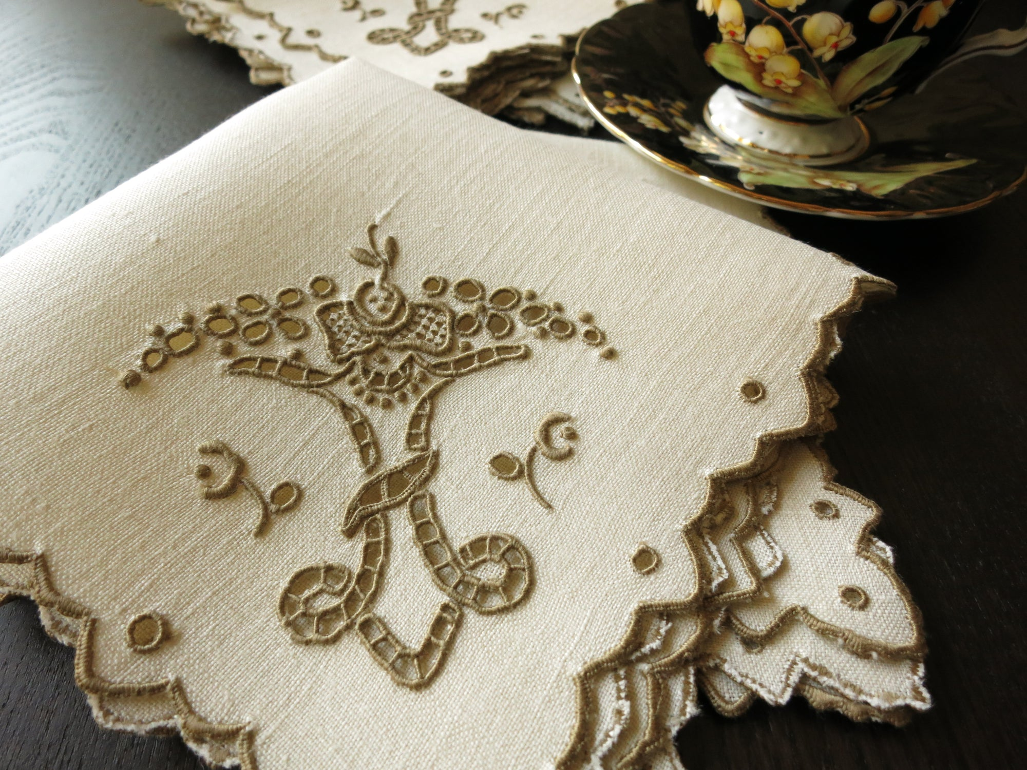 Vintage Linen Tea Napkins Scalloped Madeira Hand Embroidery ~ Set of 6