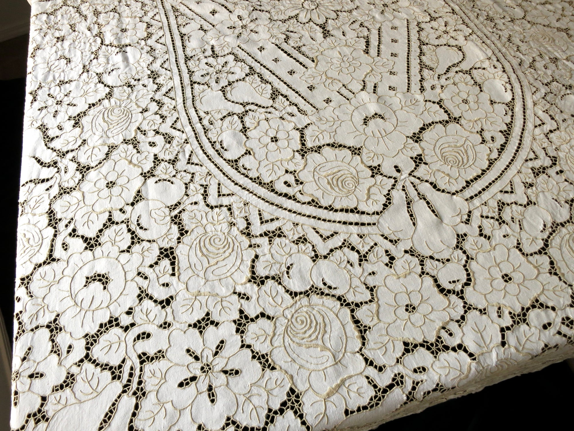 Fruit & Cabbage Roses Vintage Hand Embroidery Linen Tablecloth 66x102""