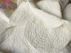Stunning Dresden Plate Vintage Quilt Deeply Scalloped Edges 11spi 86x98""
