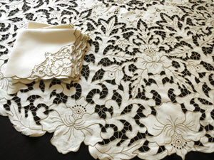 "Beautiful Cutwork Antique Madeira 64"" Round Tablecloth with 6 Napkins"