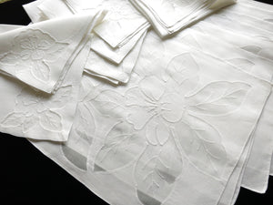 Hibiscus Flowers Vintage Madeira Embroidery Placemat Set - Setting for 8