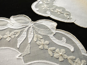 Bows & Flowers Vintage Madeira Embroidery 12pc Placemat Set - Setting for 6