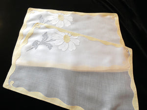 Daisies Vintage Madeira Embroidery Placemat Set - Setting for 8