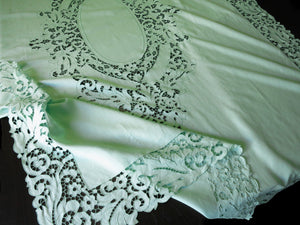 Vintage Madeira Embroidery Cutwork Green Linen Tablecloth 66x90""