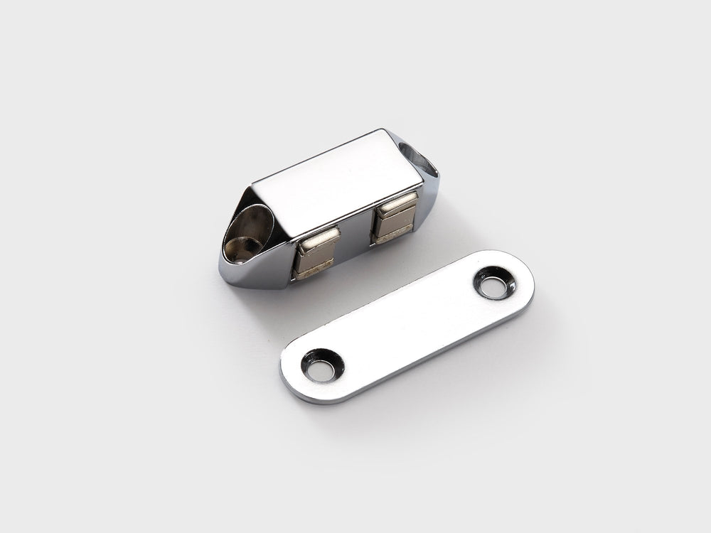 LM5103C MAGNET CATCH - Chrome