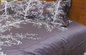 Simple Luxury Quilt Set Dusty Aubergine Silhouette