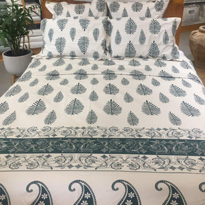 Magnificent Quilt Set in Paisley - Emerald