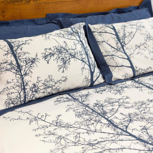 Magnificent Quilt Set in Royal Navy/White Silhouette
