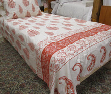 Load image into Gallery viewer, Magnificent Quilt Set in Paisley