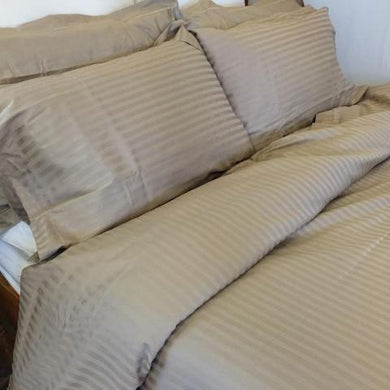 Sateen Stripe Quilt Set in Husk