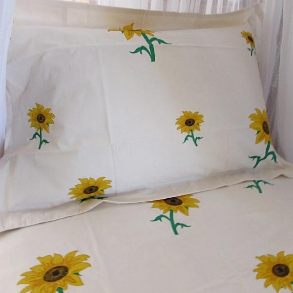 Simple Luxury Quilt Set in Sunflowers