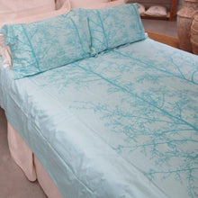 Load image into Gallery viewer, Simple Luxury Quilt Set Tahitian Blue Silhouette