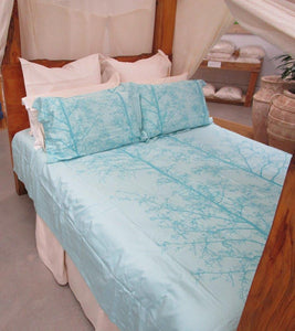Simple Luxury Quilt Set Tahitian Blue Silhouette