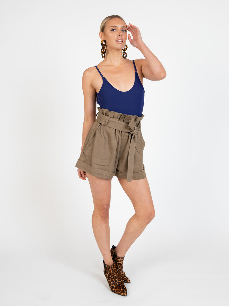 Waihi short in olive