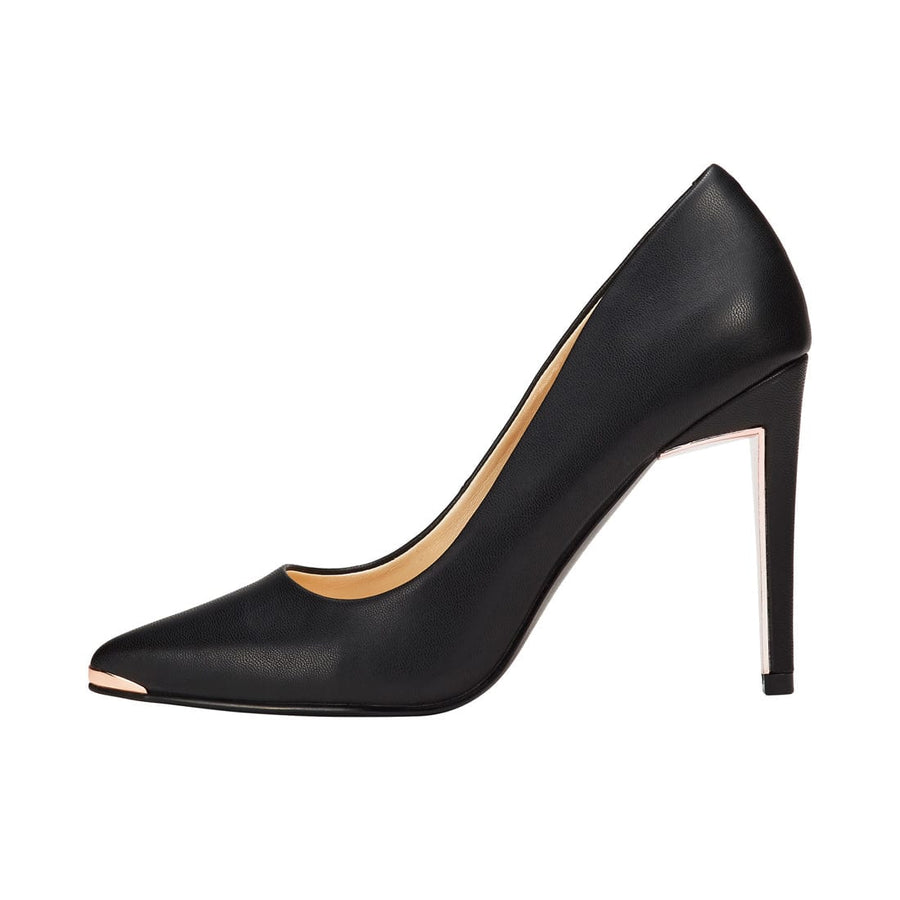 Moerae Pointed Toe Pump Black