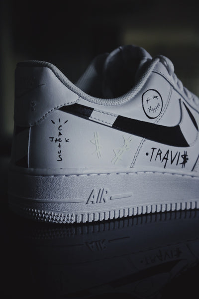 AIR FORCE ONE : Travis Scott Glow